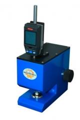 Medidor de espessura normalizado filmes plásticos  linha embalagem  equipamento normalizado para medir a espessura de filmes plásticos; área de contato dos discos 0,73 cm²; pressão exercida pelos discos durante a medição 70 kpa.; velocidade de descida do disco móvel: 1,5 mm/s.; leitura digital décimo de milésimo (0,0005 mm.); unidade de leitura: mm. modelo esp/pm-m; não requer energia elétrica, relógio a bateria; atende as normas técnicas astm d374 e d2103