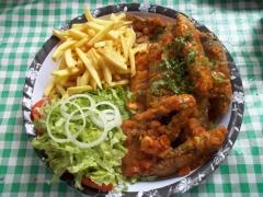 Peixe frito c/molho de camarão, arroz, pirão, fritas e salada