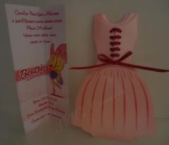 Convite em formato de vestido da barbie