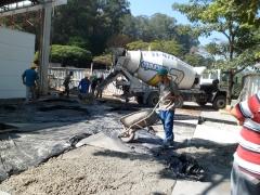 Pavimentação concretagem em execução