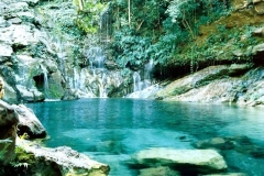 Cachoeira de poÇo azul  no  municipil de carolina/ma
