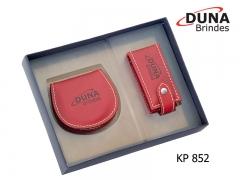 Kit presente feminino kp 852 - personalizado com seu logotipo em baixo relevo, contendo um porta batom para uma unidade (ref. pt 1902) e um porta níquel (ref. pn 2300) acomodados em uma caixa de papelão.