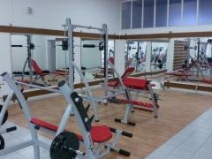 Área de musculação - peso livre