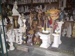 Grande variedade de imagens em artesanato de gesso