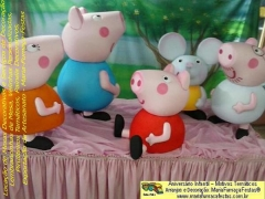 Tema peppa pig - maria-fuma�a-festas - taguatinga-df. peppa pig � uma anima��o brit�nica criada por neville astley e mark baker, distribu�do pela e1 kids.  � a hist�ria de peppa pig, uma porquinha cor-de-rosa, que vive com seu irm�o george pig, seus pais papai pig e mam�e pig. as aventuras vividas por essa fam�lia e seus amiguinhos s�o muito animadas e divertidas. as pe�as tem�ticas desenvolvidas pelo time de criatividade da mariafuma�afestas tem detalhes in�ditos, para decorar a festa de anivers�rio infantil da garotada. venha conferir e saber porque os nossos temas infantis s�o diferenciados. n�o deixe a loca��o para a �ltima hora, para evitar surpresas. saiba mais sobre os temas e servi�os da maria fuma�a festas em www.mariafumacafestas.com.br, www.temasinfantis.com.br, www.multidicas.com.br se preferir, contate pelos fones (61)35636663 / (61)84062422
