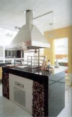 Churrasqueira moderna, com coifa ilha, grill elevação, base em alvenaria. esta churrasqueira high tech foi executada pela bella telha e projetada pelos arquitetos marcos ribeiro e ana lucia spagnuolo