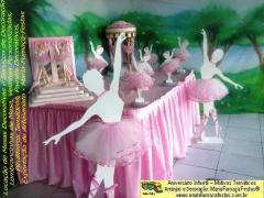 Tem temas que sempre são eternos e continuarão encantando nas decorações de festas de aniversário infantil. Bailarinas é um destes exemplos. A MariaFumaçaFestas está sempre atenta com estes detalhes.