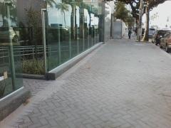 Calçada em piso intertravado - edf. joel queiroz - queiroz galvão