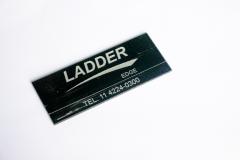 Corte e gravação a laser em acrílico 2 mm.