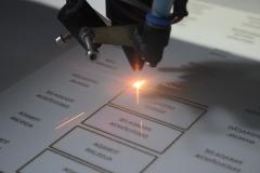 Corte e gravação a laser acrílico.