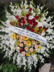 Linda coroa de flores da família
