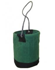 Balde de lona para içamento, com fundo reforçado, alça em corda de nylon e boca rigida com armação de aço revestido em lona.