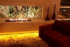Lareira, lareira a gas com pedra vulcanica, lareira moderna, lareira pratica, lareira bonita e sofisticada, fornecida pela bella telha 11-4555-5444 www.bellatelha.com.br e projetada pela arquiteta leticia prodocimo #lareira #fireplace #fire #aconchego #sofisticaçao