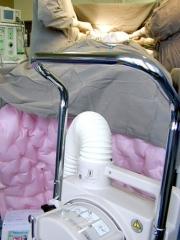Equipamentos de segurança:  Manta térmica e massageador de pernas.