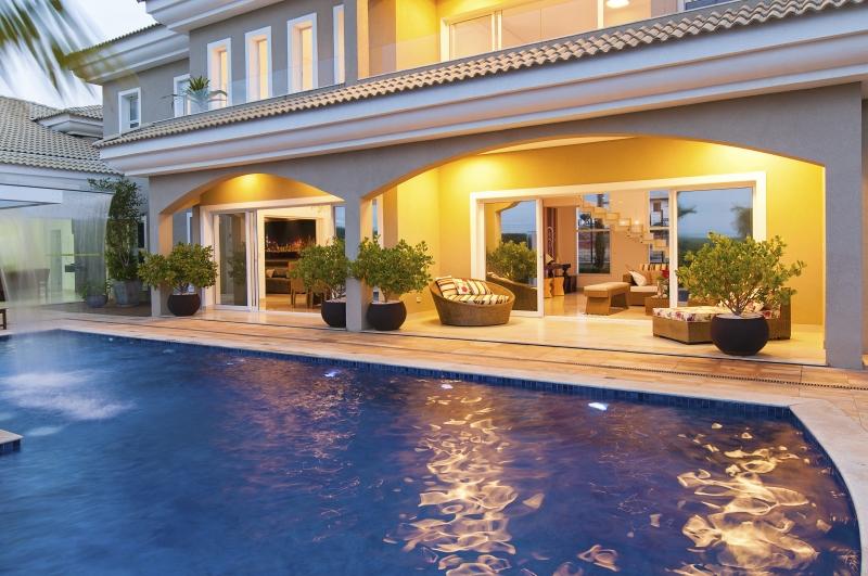 Foto piscina com m o de obra especializada aquecimento for Iluminacao na piscina e perigoso