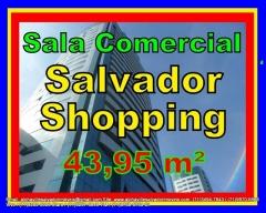 Sala comercial a venda, Salvador Shopping Business com área privativa de 43,95, piso em porcelanato, ar condicionado e luminárias em 3 pontos, acabamento em alto nível com tudo pensado nos mínimos detalhes, 2 vagas de garagem cobertas e soltas. Condomínio: R$675,66  Mais detalhes entre em contato com:  Claudio Borges. +55(71)3494-7843 +55(71)99970-6866 Vivo +55(71)98203-0006 Claro +55(71)99297-9846 TIM +55(71)98758-5793 Oi +55(71)99911-1102 WhatsApp