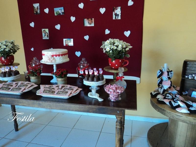 Foto Decorao de ch de panela vermelho rstico -> Decoração De Cha De Panela Vermelho E Branco Simples