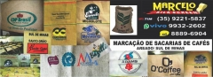 >>>> marcelo silk screen <<<< marcação de sacarias de cafés / ( próx. ao hotel do sol ) / areado - mg / sul de minas cel.: whatsapp(vivo) 35- 99932-2602 (tim) 35-99221-5837 * facebook: www.facebook.com/marcelosilksantos email: marcelosilk@ip3.com.br sacarias de juta e polipropileno já que o café é uma paixão mundial, nada como poder falá-lo em várias línguas. agora, você pode viajar o mundo, que café, pelo menos, não vai faltar no seu vocabulário: africâner: koffie | albanês: kafe | alemão: kaffee | basco: kafea bielo-russo: ???? | búlgaro: ???? | catalão: cafè | crioulo haitiano: kafe croata: kava | dinamarquês: kaffe | eslovaco: káva | esloveno: kava espanhol: café | estoniano: kohv | finlandês: kahvi | francês: café galego: café | galês: coffi | holandês: koffie | húngaro: kávé | indonésio: kopi inglês: coffee | irlandês: caife | islandês: kaffi | italiano: caffè | letão: kafija lituano: kavos | macedônico: ???? | malaio: kopi | maltês: kafè | norueguês: kaffe polonês: kawy | português: café | romeno: cafea | russo: ???? | sérvio: ???? suaíle: kahawa | sueco: kaffe | tagalo: kape | tcheco: káva | turco: kahve ucraniano: ???? | vietnamita: cà phê cidades brasileiras (todas as cidades com mais de 40.000 eleitores)* abaetetuba - pa abreu e lima - pe açailândia - ma águas lindas de goiás - go alagoinhas - ba alegrete - rs alfenas - mg almirante tamandaré - pr altamira - pa alvorada - rs americana - sp amparo - sp ananindeua - pa anápolis - go andradina - sp angra dos reis - rj aparecida de goiânia - go apucarana - pr aquiraz - ce aracaju - se aracati - ce araçatuba - sp aracruz - es araguaína - to araguari - mg arapiraca - al arapongas - pr araranguá - sc araraquara - sp araras - sp araripina - pe araruama - rj araucária - pr araxá - mg arcoverde - pe ariquemes - ro arujá - sp assis - sp atibaia - sp avaré - sp bacabal - ma bagé - rs balneário camboriú - sc balsas - ma barbacena - mg barcarena - pa barra do corda - ma barra do piraí - rj barra mansa - rj barreiras - 
