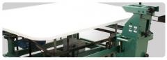 Mesa mecanizada  nova para fechamento de colchões-marcas variadas.