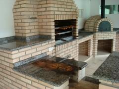 Churrasqueira de alvenaria, churrasqueira de tijolinho, churrasqueira com fogão a lenha e forno de pizza. bella telha 11-4555-5444 www.bellatelha.com.br
