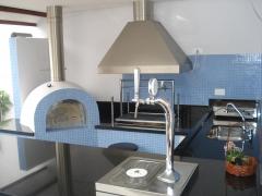 Chopeira, chopeiras, loja de chopeira, chopeira com instalação, forno igloo, forno iglu, forno de pizza, forno para pizzaria, churrasqueira de alvenaria, churrasqueira de tijolinho, churrasqueira com fogão a lenha e forno de pizza. bella telha 11-4555-5444 www.bellatelha.com.br projeto da arquiteta valeria mazeto