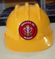 Capacete brigada de incêndio amarelo para identificação de brigadistas.