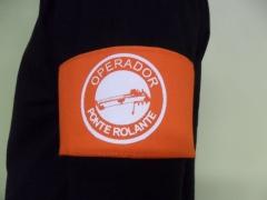 Braçadeira de identificação estampada em silk sreen modelo operador de ponte rolante.