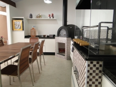 Churrasqueira, churrasqueira com forno de pizza, churrasqueira com coifa, churrasqueira para predio, pergolado de madeira, churrasqueira, churrasqueira de alvenaria, churrasqueira de tijolinho, churrasqueira de tijolo aparente, churrasqueira forno e fog�o a lenha. na bella telha 11-4555-5444 vc tb encontra lareira, lareira ecologica, lareira sem fuma�a, lareira a etanol, lareira a alcool, lareira a gas, lareira com cristais, painel borbulhador, painel de bolhas, painel de bolhas em sp, aquecedor solar, telhado, piscina, banheira, ofuro e muito mais. qualidade por pre�o justo. bella telha a 23 anos a seu lado.