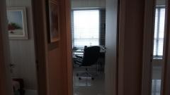 Três salas preparadas para sublocação para especialistas