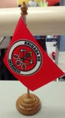 Bandeirinha de mesa para identificação de brigadista. ideal para presentear como brinde, lembrança de final de treinamento ou cursos de especialização.