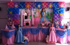 Barbie a princesa e a plebéia #mariafumacafestas - decoração de aniversário das meninas acima de 3 anos.