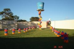 #mariafumacafestas - lccações temáticas, serviços de decoração com balões de látex, velinhas personalizadas, lembrancinhas de mesa. veja mais fotos e detalhes também no instagram - http://www.instagram.com/explore/tags/mariafumacafestas/