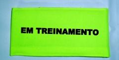 Bra�adeira em treinamento cor verde lim�o c�trico