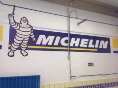Pintura de logomarca em parede