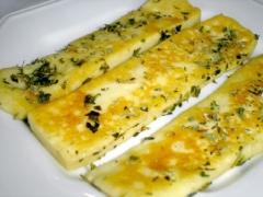 Queijo de coalho com orégano. muito sabor do queijo frito!
