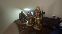 Reis magos em gesso com fio de ouro