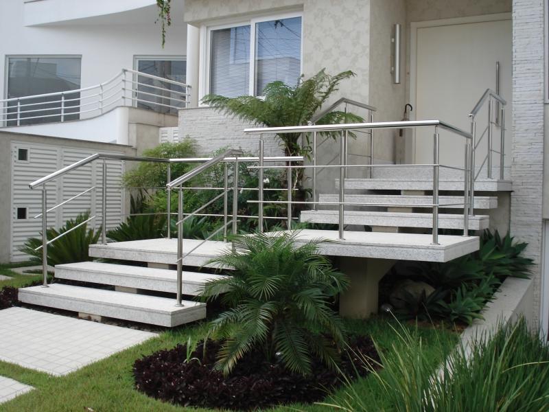 escadas pre moldadas, escadas de concreto, escada de madeira, escadas BELLA TELHA www.bellatelha.com.br
