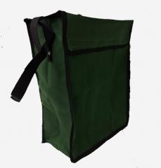 Bolsa para protetor facial. Confeccionada em lona, com fechamento em velcro e alça de ombro. Também pode ser utilizada para conjunto de aterraemnto BT