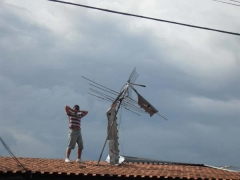 Não deixe isto acontecer em sua casa, solicite atendimento 100% fábrica de calhas globo 3378-4577 9206-6823 contato@calhasglobo.com.br - www.calhasglobo.com.br