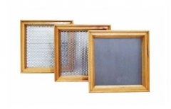 Peneira quadrada com quadro em madeira para classificação de grãos