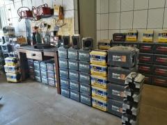 SIMERON BATERIAS EM ILHÉUS - SERVIÇOS OFERECIDOS Além de uma vasta diversidade de baterias, a SIMERON BATERIAS oferece todos os produtos e serviços descritos abaixo: Carregadores; Cabos de Baterias; Testes de Baterias; Entrega de baterias em Domicílio. FAÇA SEU PEDIDO PELO WHATSAPP (73) 99175 - 5874 É sempre recomendável fazer as revisões em uma oficina especializada e trocar a bateria apenas com mecânicos confiáveis e dentro do prazo estipulado pela montadora. Nos temos um ótimo estoque de todas as marcas de baterias, por isso sugerimos o menor preço. SIMERON BATERIAS - Visite nossa Página. https://uniaodemarca.wixsite.com/simeronbaterias