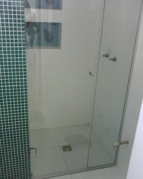 box de abrir para banheiro pequeno