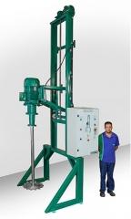 Agitador dispersor com sistema elevatório elétrico