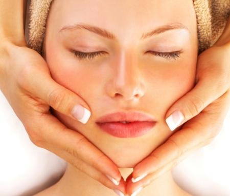Tratamentos de beleza corporal e facial, para homens e mulheres.