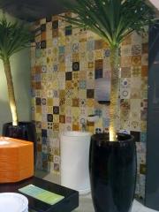 Azulejos antigos em parede do restaurante samba!