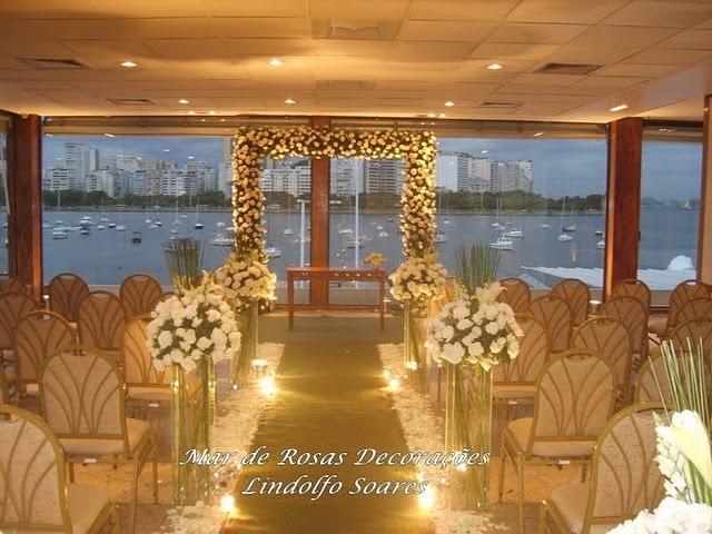 Mar de Rosas By Lindolfo
