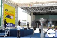 Vaporizadores, telões, microfones, som, cobertura, grids, palcos, carpetes