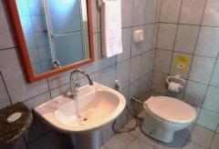 Banheiro suite pousada alemdomar