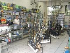 Imagens da loja, produtos de pesca.
