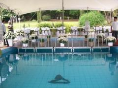Passarela na piscina